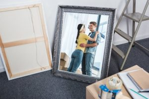 How To Safely Pack Mirrors For Moving