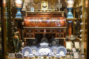 How to Pack Antiques for Moving